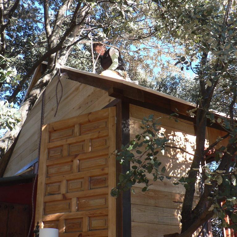 Bioconstrucción cabaña con maderas recicladas en Prado Negro